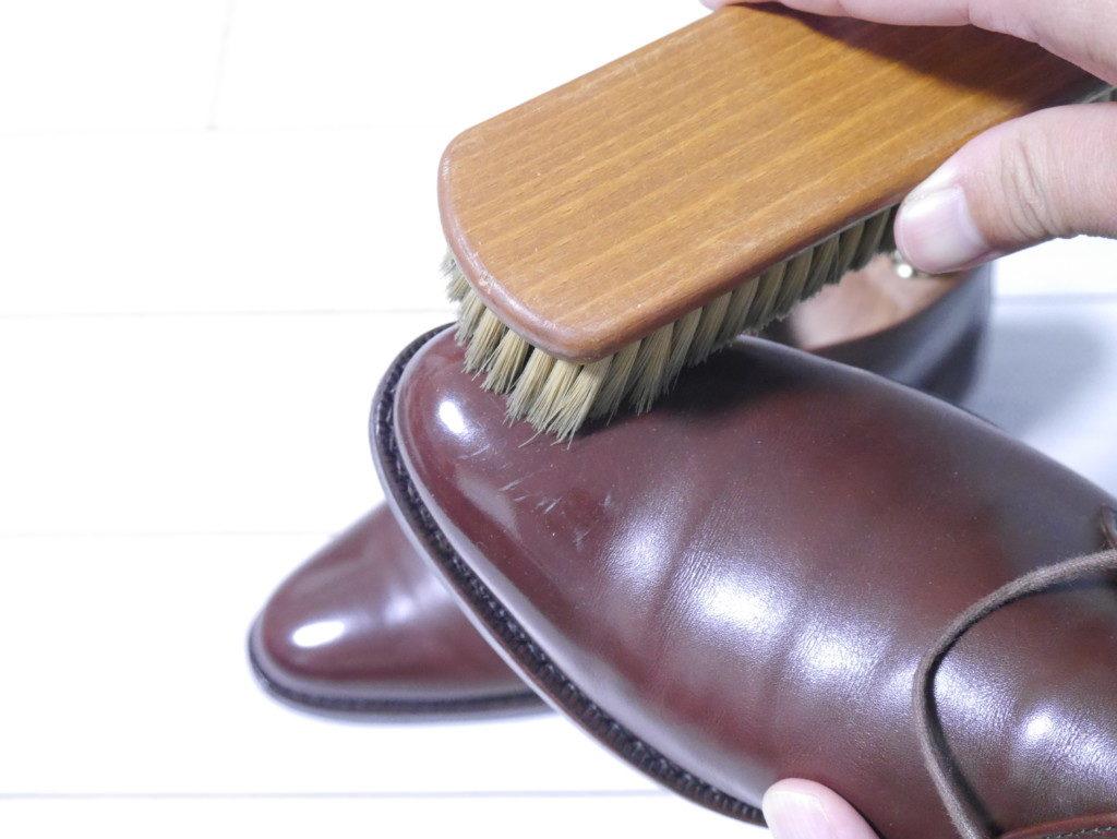 毎日の靴磨き ブラッシング