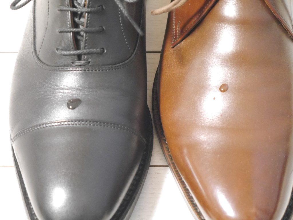 雨用の靴に向くのは?水滴比較試験