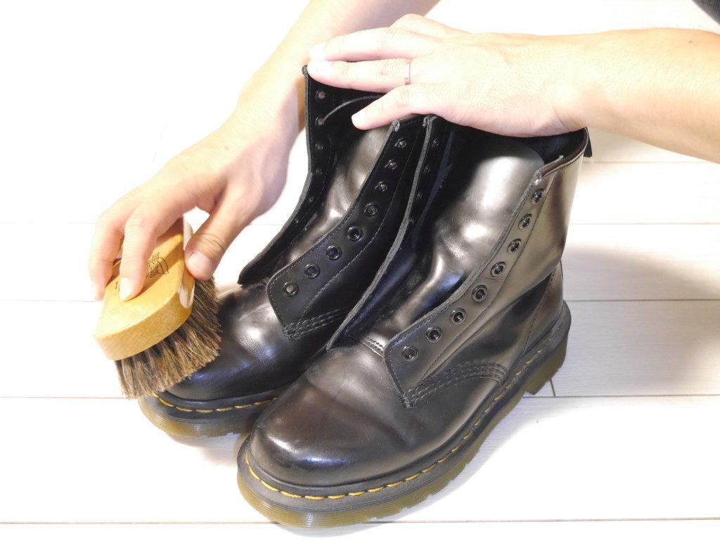 ドクターマーチン 靴擦れ ブラッシング