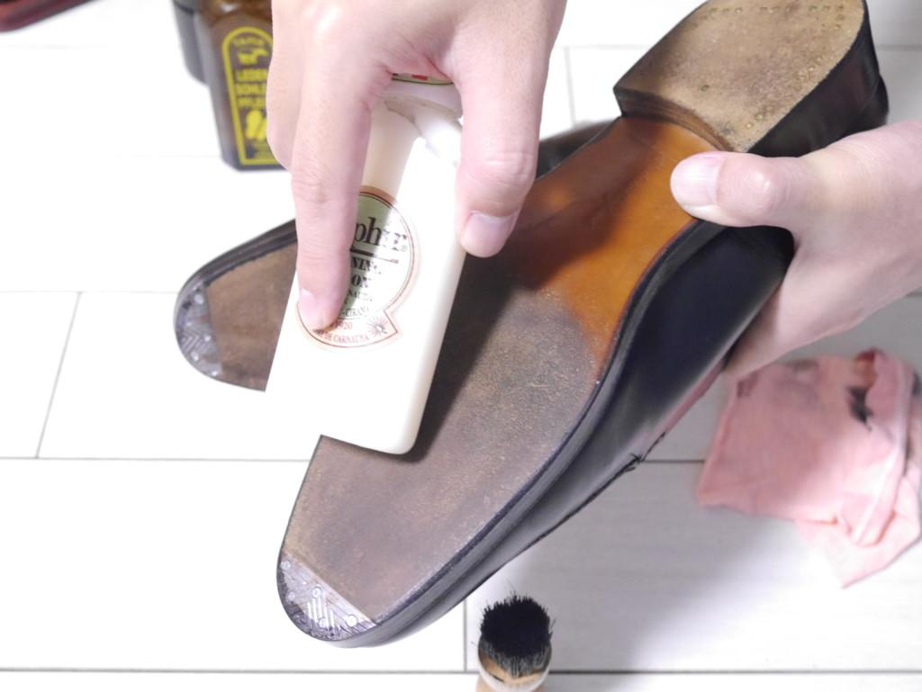 エドワードグリーンドーバー 靴磨き レザーソール磨き
