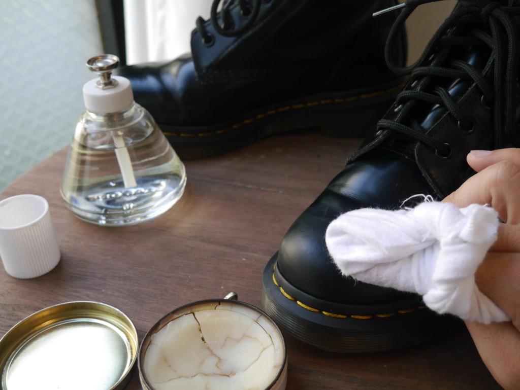 ドクターマーチン鏡面磨き サフィールノワール