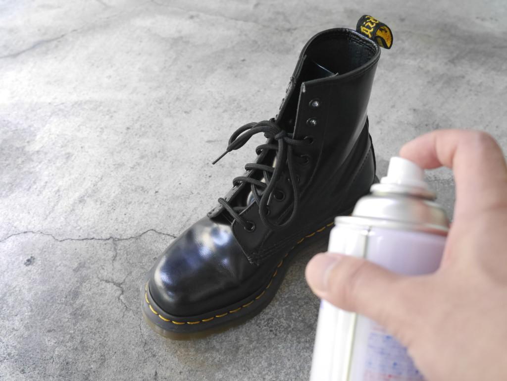 ドクターマーチン防水スプレー スプレー塗布