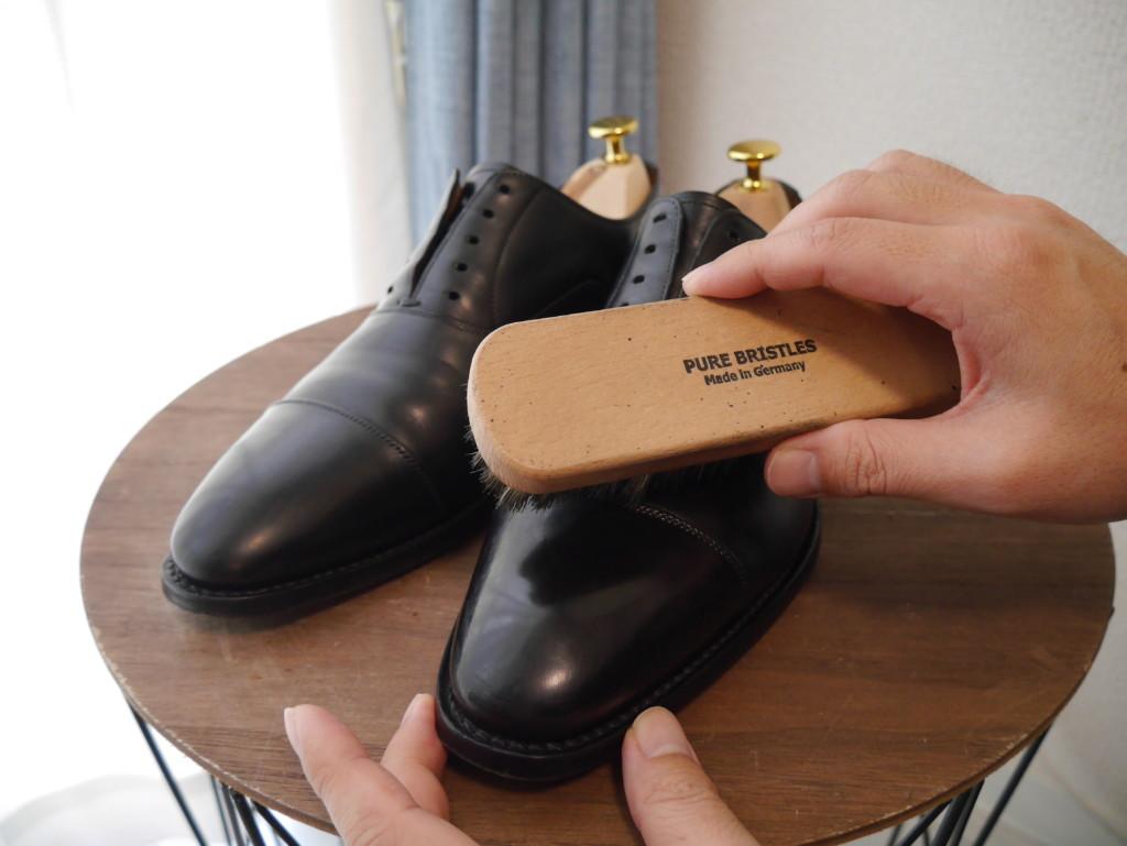 革靴の傷 豚毛ブラシ