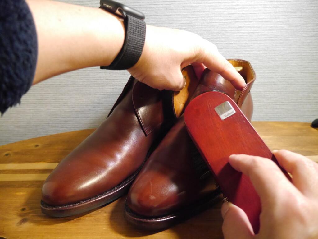 靴磨きおすすめクリーム  ブラッシング